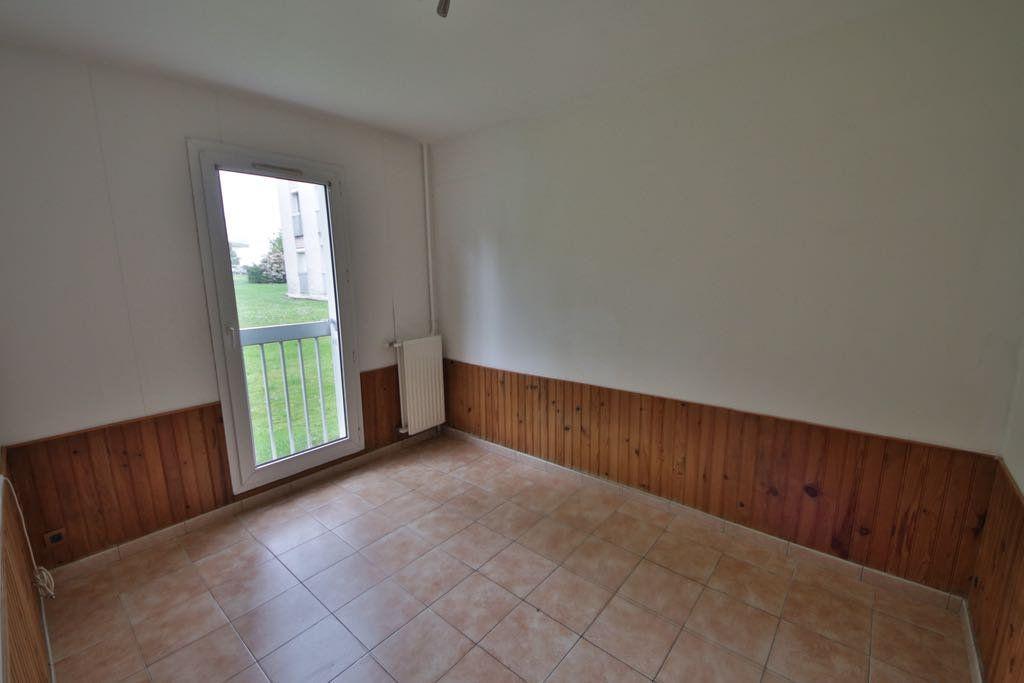 Appartement à vendre 4 76.85m2 à Château-Thierry vignette-6