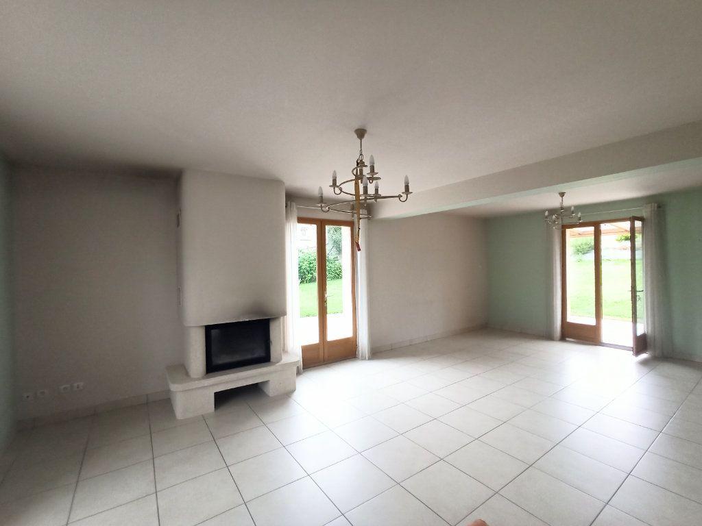 Maison à vendre 6 180m2 à La Ferté-sous-Jouarre vignette-2