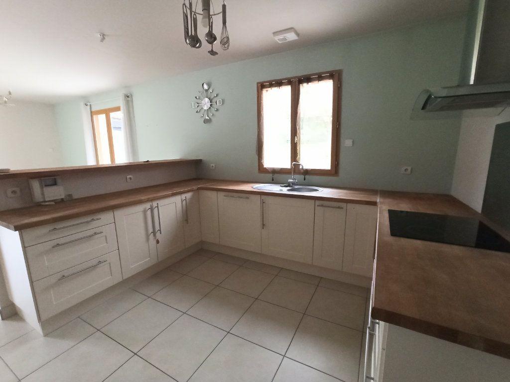 Maison à vendre 6 180m2 à La Ferté-sous-Jouarre vignette-3