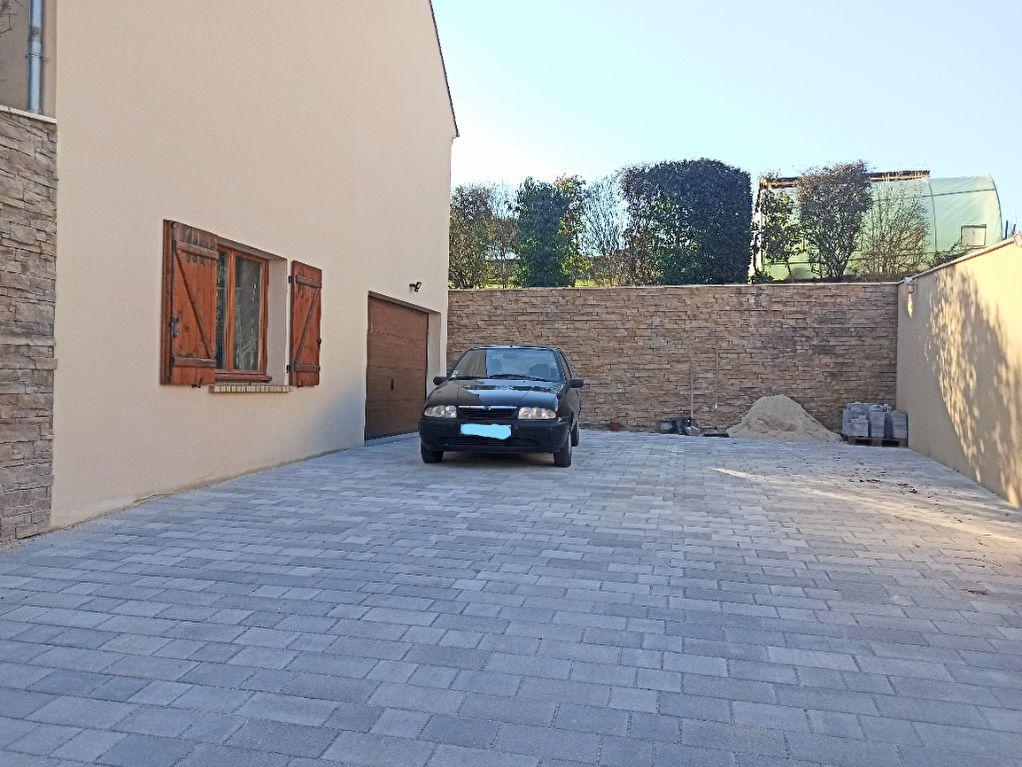 Maison à vendre 6 180m2 à La Ferté-sous-Jouarre vignette-17