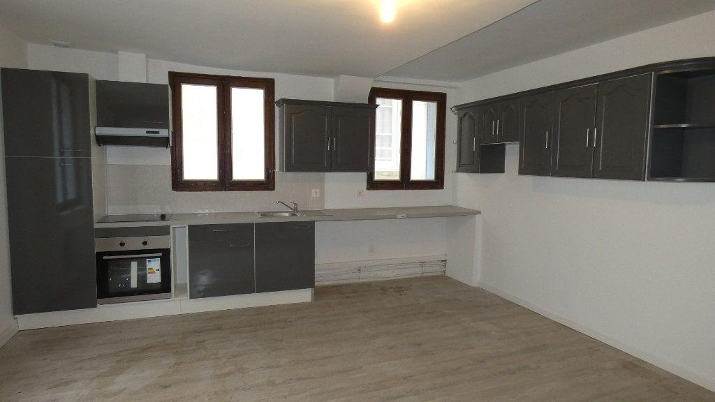 Appartement à louer 2 64.55m2 à Château-Thierry vignette-1