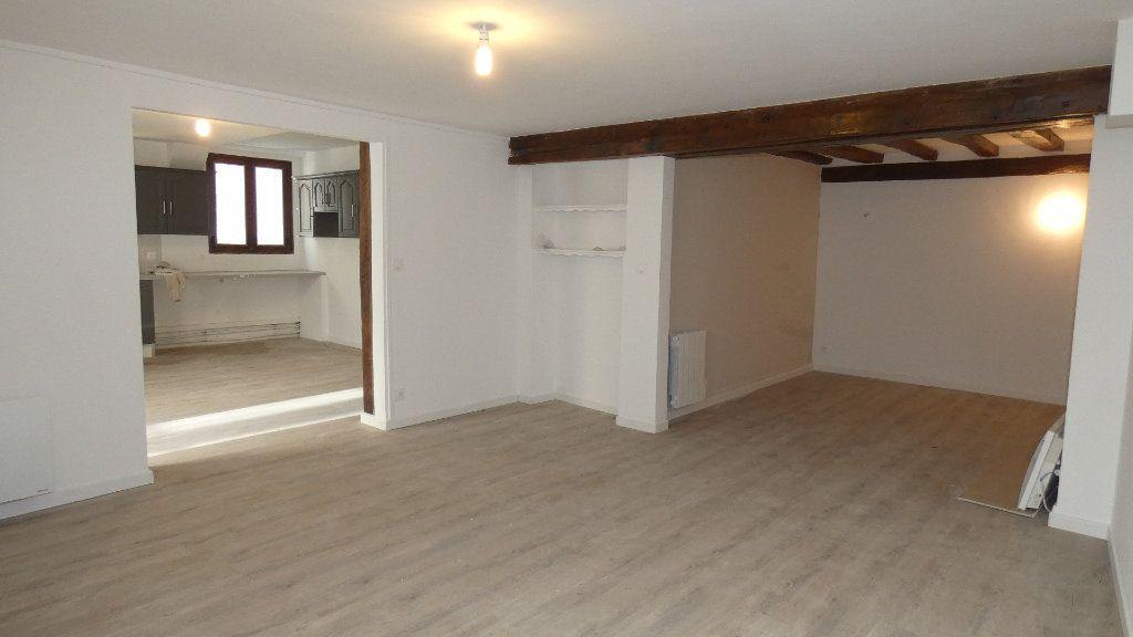 Appartement à louer 2 64.55m2 à Château-Thierry vignette-2