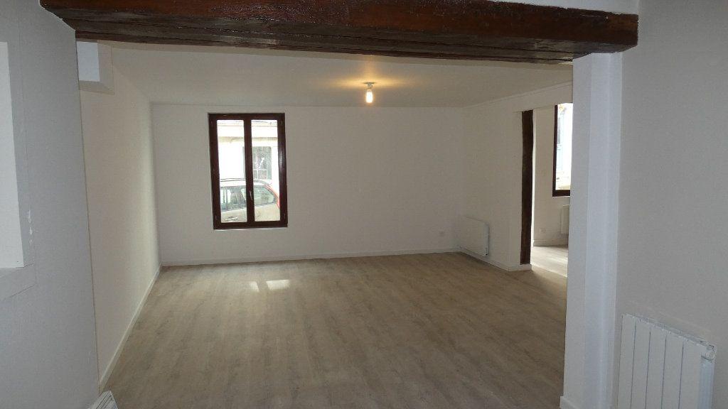Appartement à louer 2 64.55m2 à Château-Thierry vignette-3