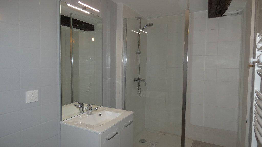 Appartement à louer 2 64.55m2 à Château-Thierry vignette-4