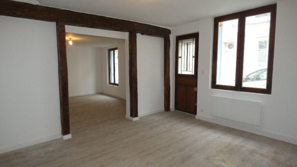 Appartement à louer 2 64.55m2 à Château-Thierry vignette-6