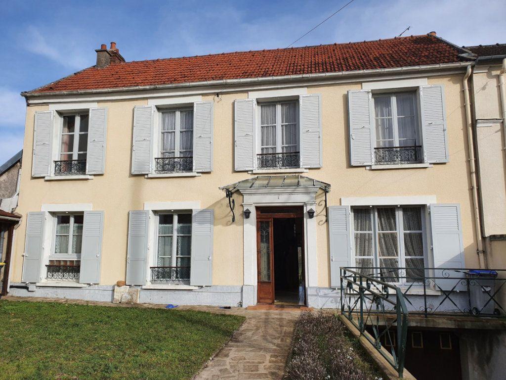 Maison à vendre 6 129m2 à Essômes-sur-Marne vignette-1