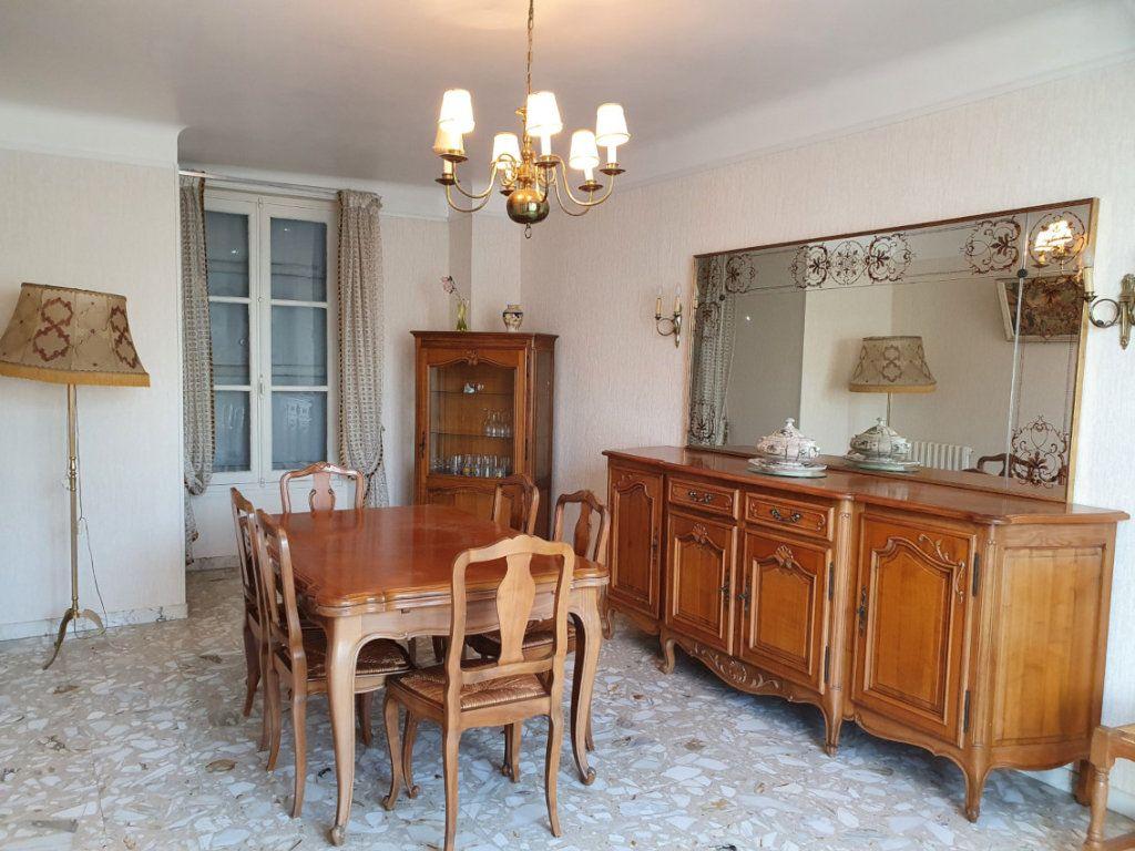 Maison à vendre 6 129m2 à Essômes-sur-Marne vignette-3