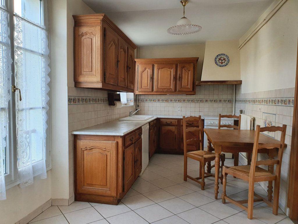 Maison à vendre 6 129m2 à Essômes-sur-Marne vignette-5