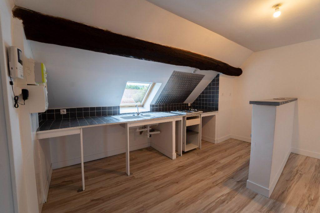 Appartement à louer 2 72m2 à Charly-sur-Marne vignette-3