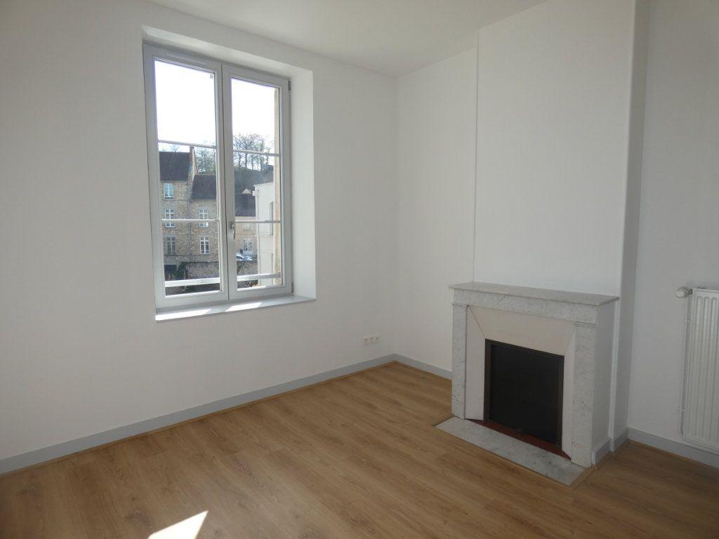 Appartement à louer 3 77.2m2 à Château-Thierry vignette-2