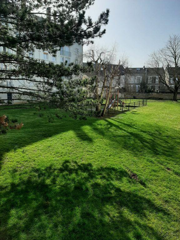 Appartement à vendre 4 72.64m2 à Château-Thierry vignette-2