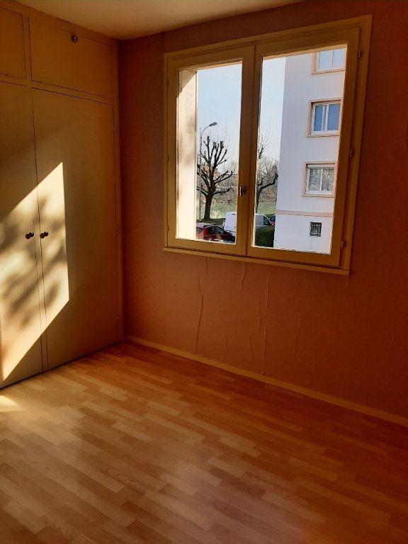 Appartement à vendre 4 72.64m2 à Château-Thierry vignette-4