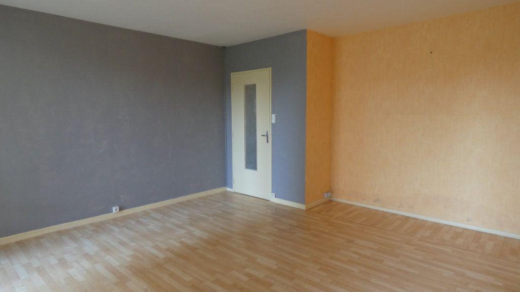 Appartement à vendre 4 72.64m2 à Château-Thierry vignette-5