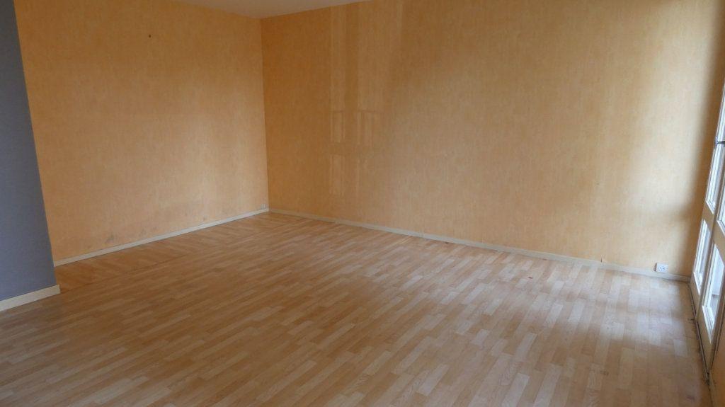 Appartement à vendre 4 72.64m2 à Château-Thierry vignette-7