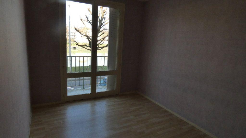 Appartement à vendre 4 72.64m2 à Château-Thierry vignette-9