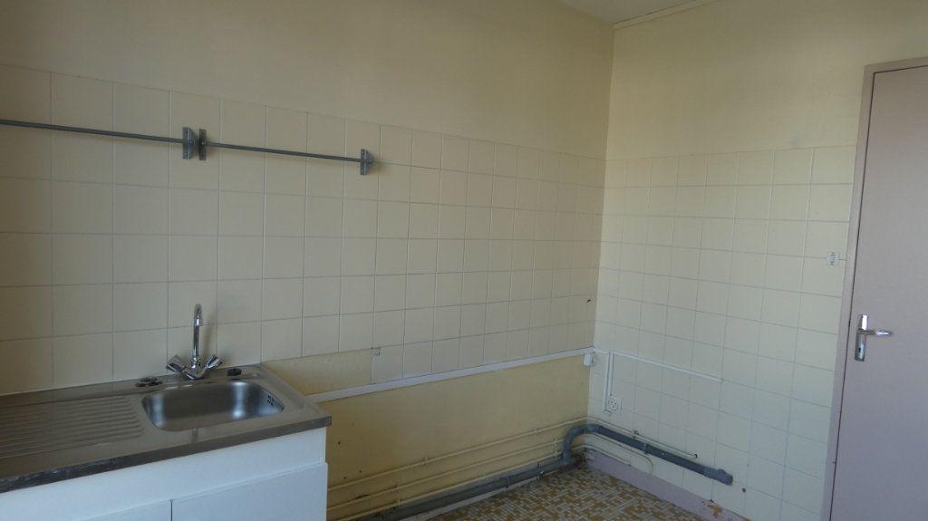 Appartement à vendre 4 72.64m2 à Château-Thierry vignette-10