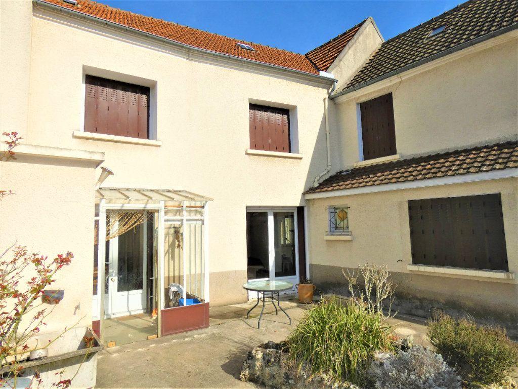 Maison à vendre 6 161m2 à Chézy-sur-Marne vignette-1