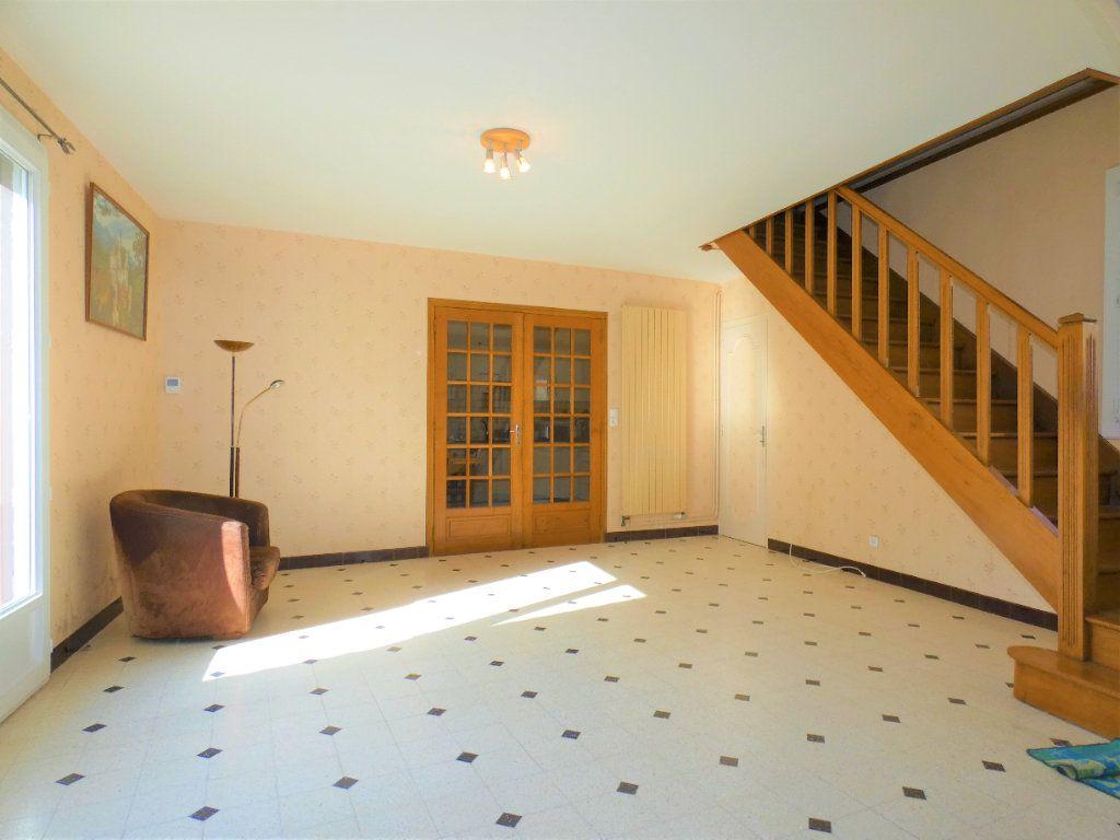 Maison à vendre 6 161m2 à Chézy-sur-Marne vignette-3