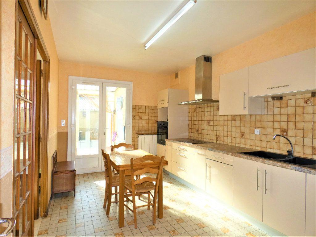 Maison à vendre 6 161m2 à Chézy-sur-Marne vignette-5