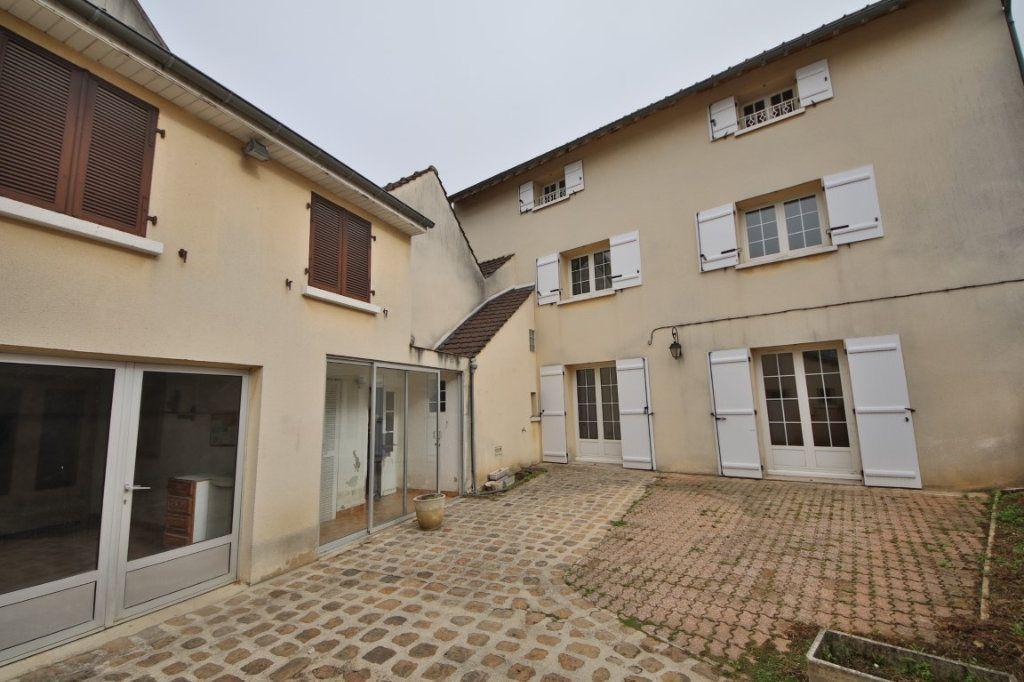 Maison à vendre 5 317m2 à Saulchery vignette-1