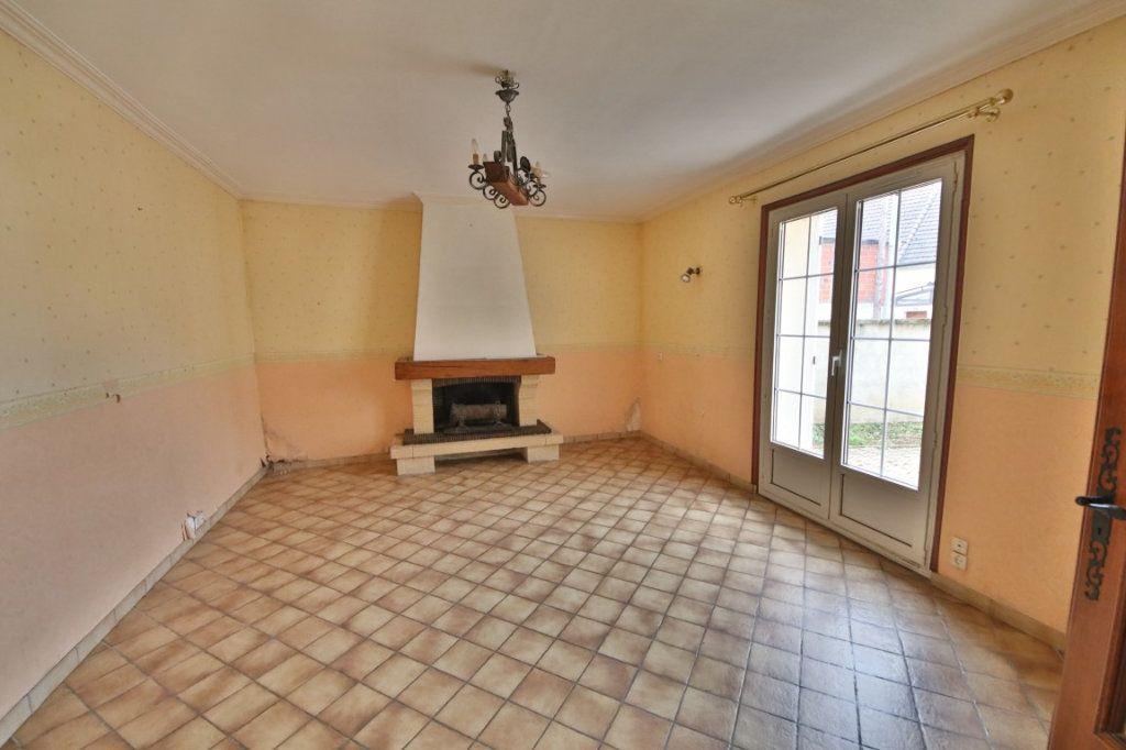 Maison à vendre 5 317m2 à Saulchery vignette-3