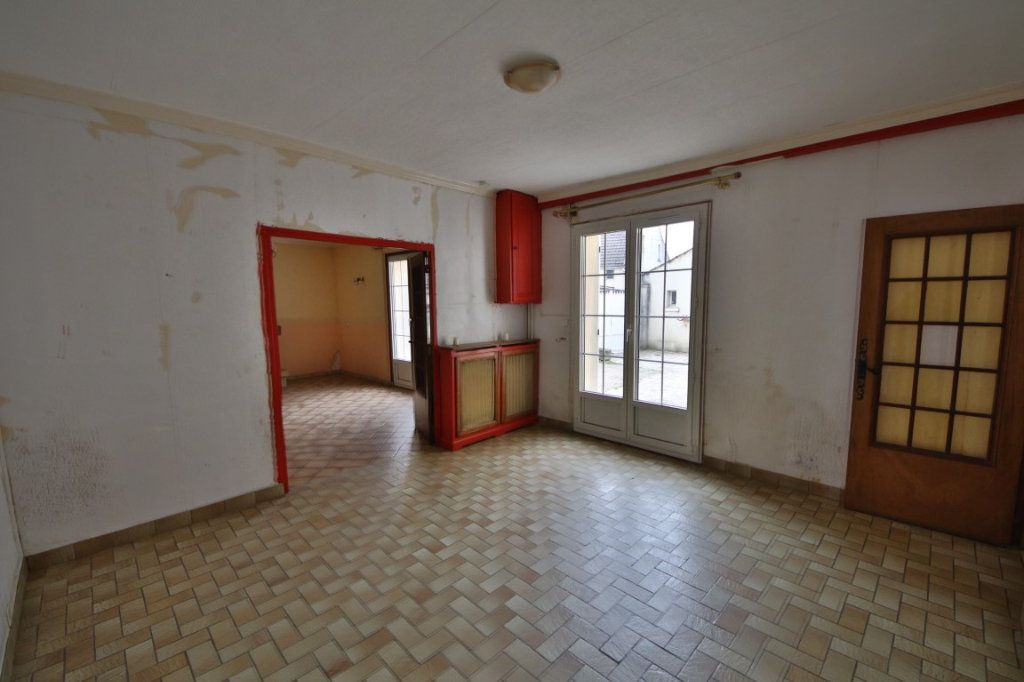 Maison à vendre 5 317m2 à Saulchery vignette-4