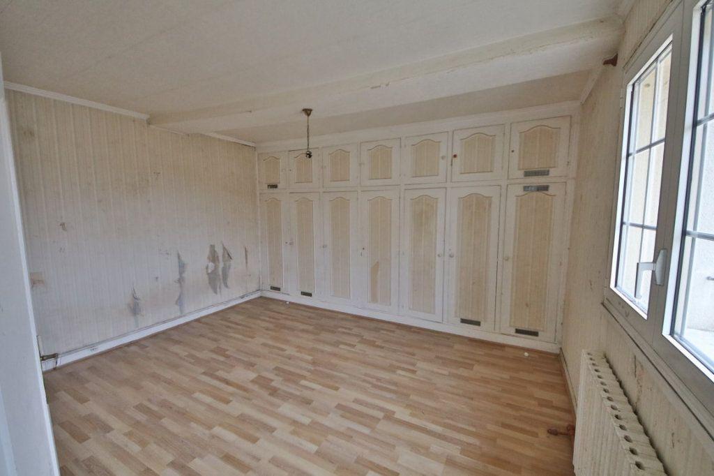 Maison à vendre 5 317m2 à Saulchery vignette-7
