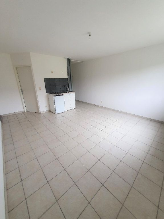Appartement à louer 1 26.03m2 à Chierry vignette-3