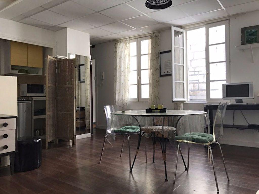 Appartement à louer 1 30m2 à La Rochelle vignette-2