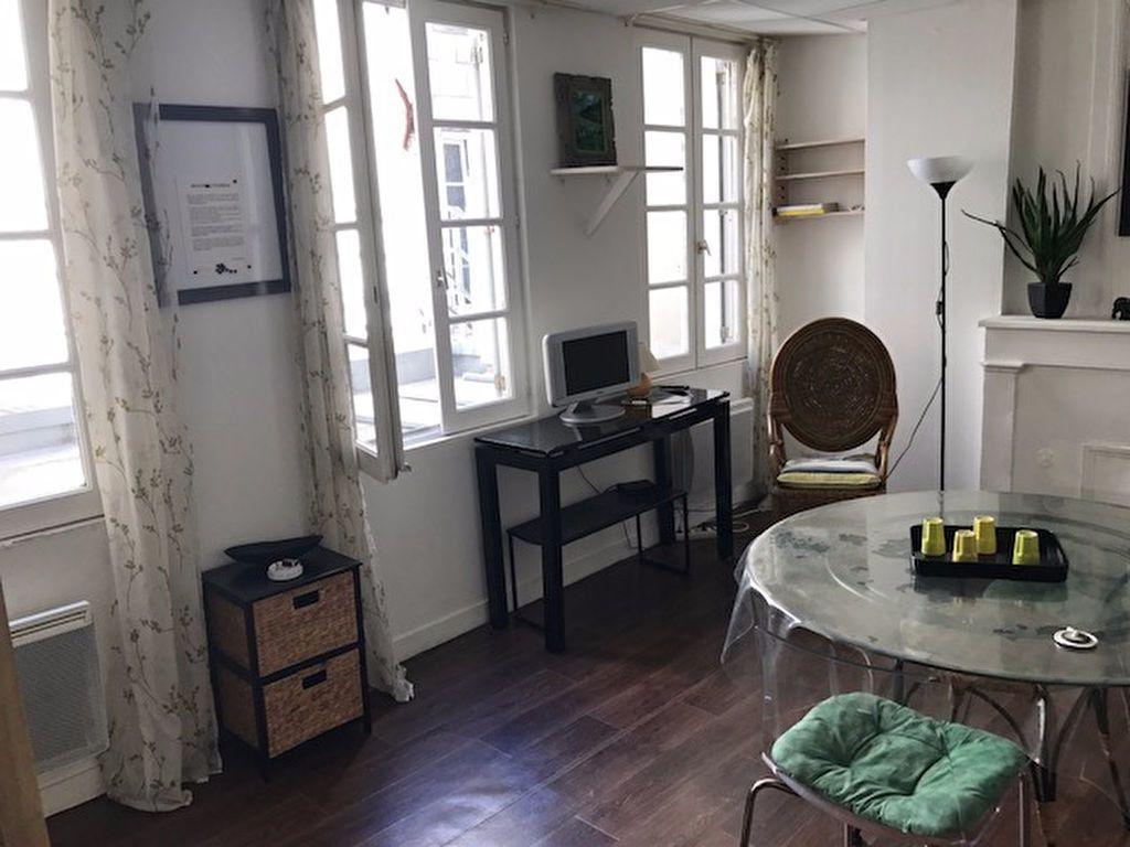 Appartement à louer 1 30m2 à La Rochelle vignette-3
