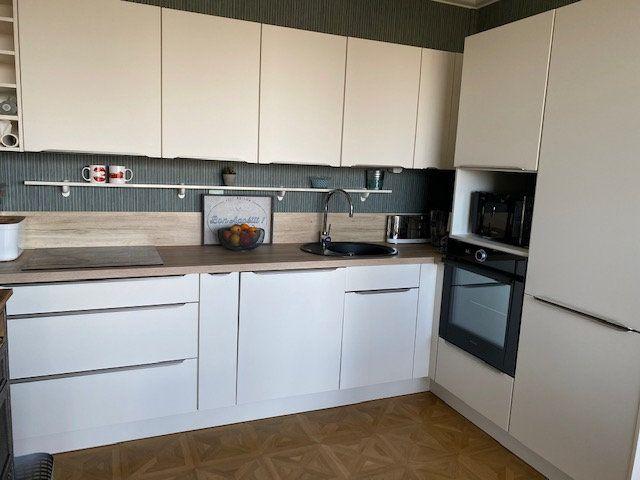 Appartement à vendre 3 109m2 à La Rochelle vignette-3