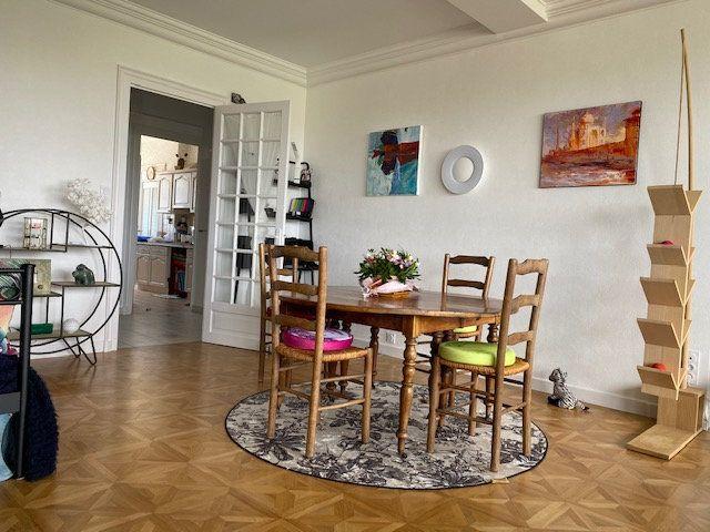 Appartement à vendre 3 109m2 à La Rochelle vignette-4