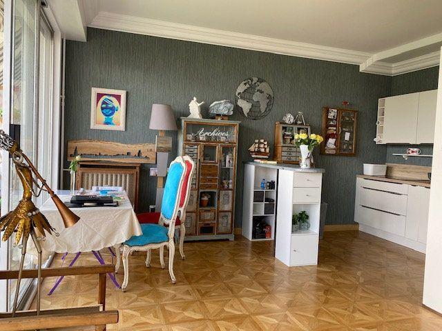 Appartement à vendre 3 109m2 à La Rochelle vignette-5