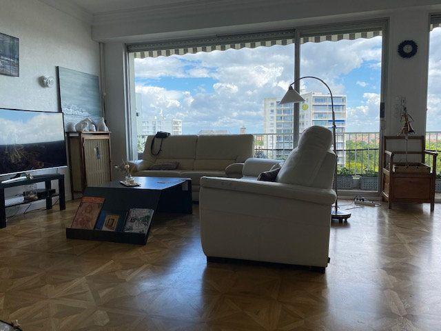Appartement à vendre 3 109m2 à La Rochelle vignette-7