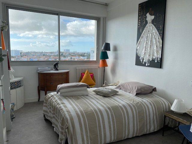 Appartement à vendre 3 109m2 à La Rochelle vignette-9