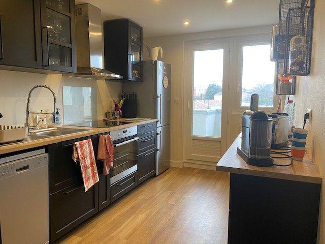 Appartement à vendre 4 78.6m2 à La Rochelle vignette-2