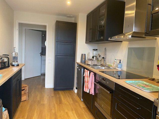 Appartement à vendre 4 78.6m2 à La Rochelle vignette-3