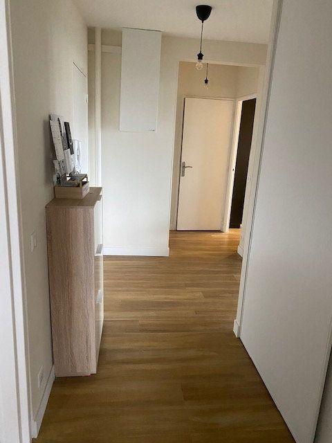 Appartement à vendre 4 78.6m2 à La Rochelle vignette-5