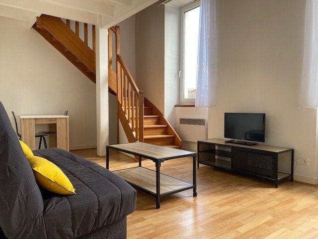 Appartement à louer 2 33.5m2 à La Rochelle vignette-1