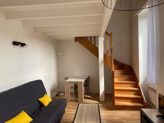 Appartement à louer 2 33.5m2 à La Rochelle vignette-3