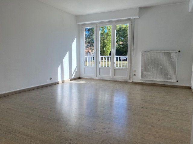 Appartement à louer 1 41m2 à La Rochelle vignette-1