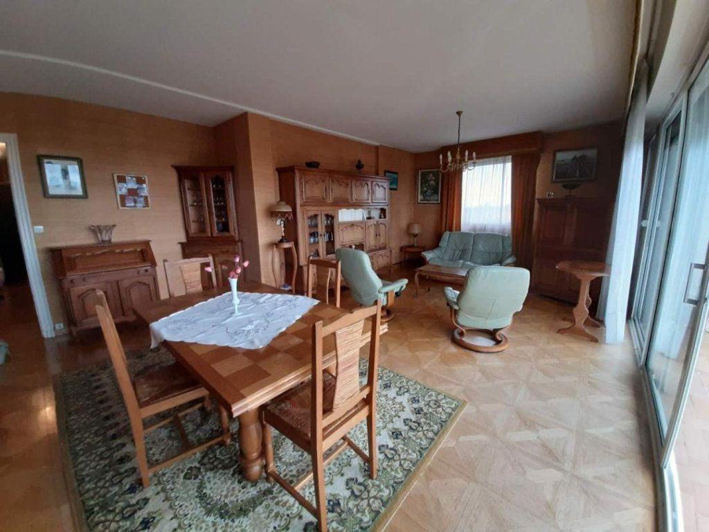 Appartement à vendre 4 94m2 à La Rochelle vignette-2