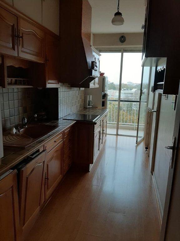 Appartement à vendre 4 94m2 à La Rochelle vignette-3