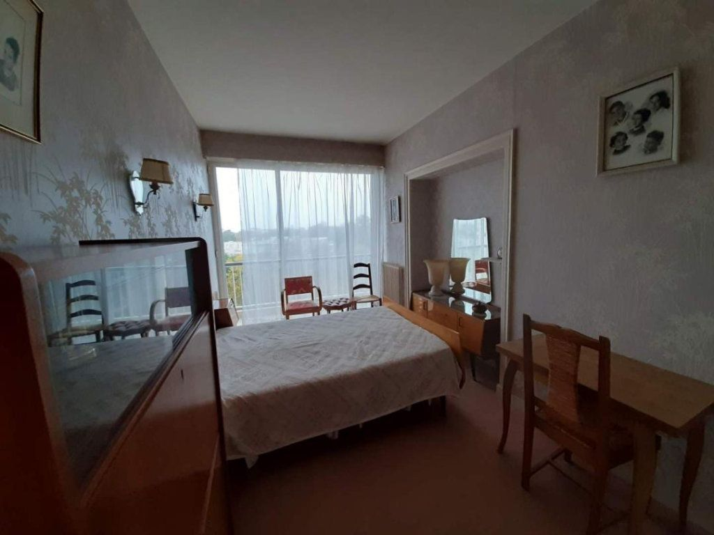Appartement à vendre 4 94m2 à La Rochelle vignette-6