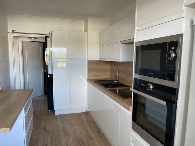 Appartement à vendre 4 95m2 à La Rochelle vignette-5