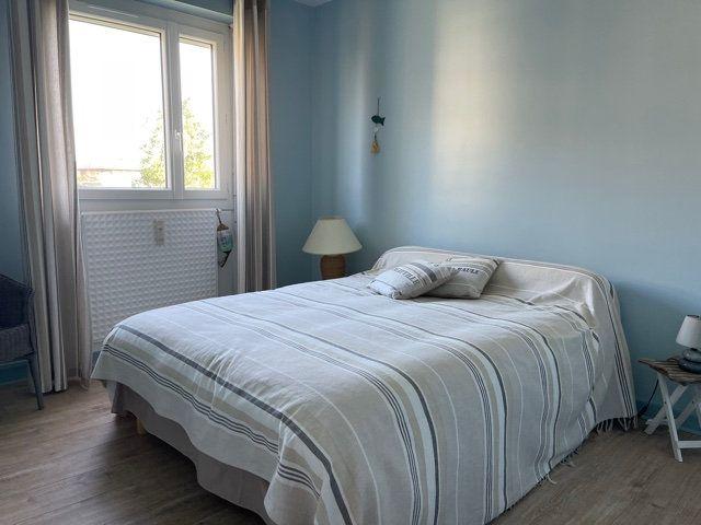 Appartement à vendre 4 95m2 à La Rochelle vignette-9