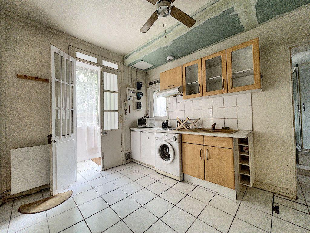 Appartement à vendre 2 28.15m2 à Paris 14 vignette-9