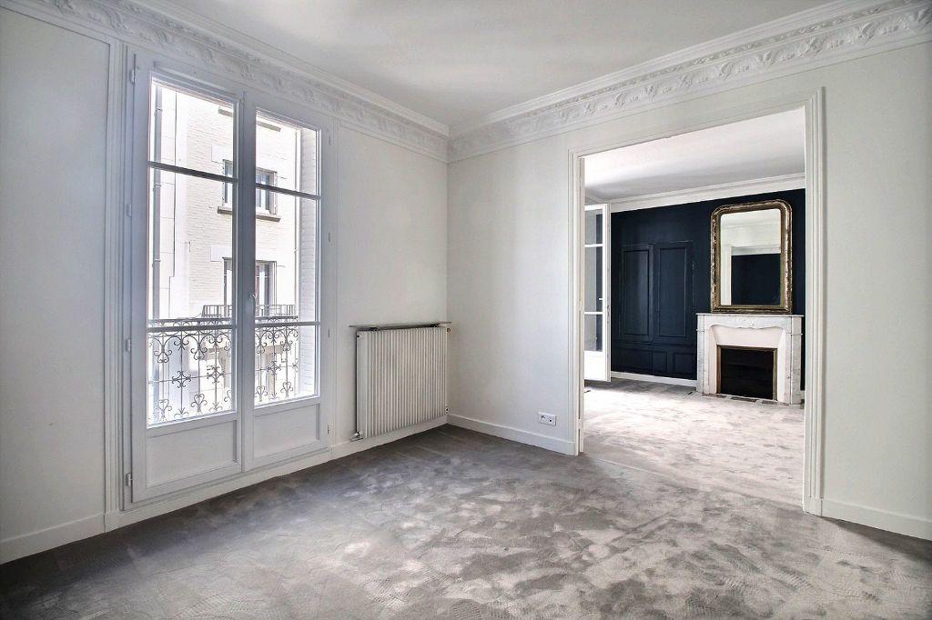 Appartement à louer 3 66m2 à Paris 14 vignette-1
