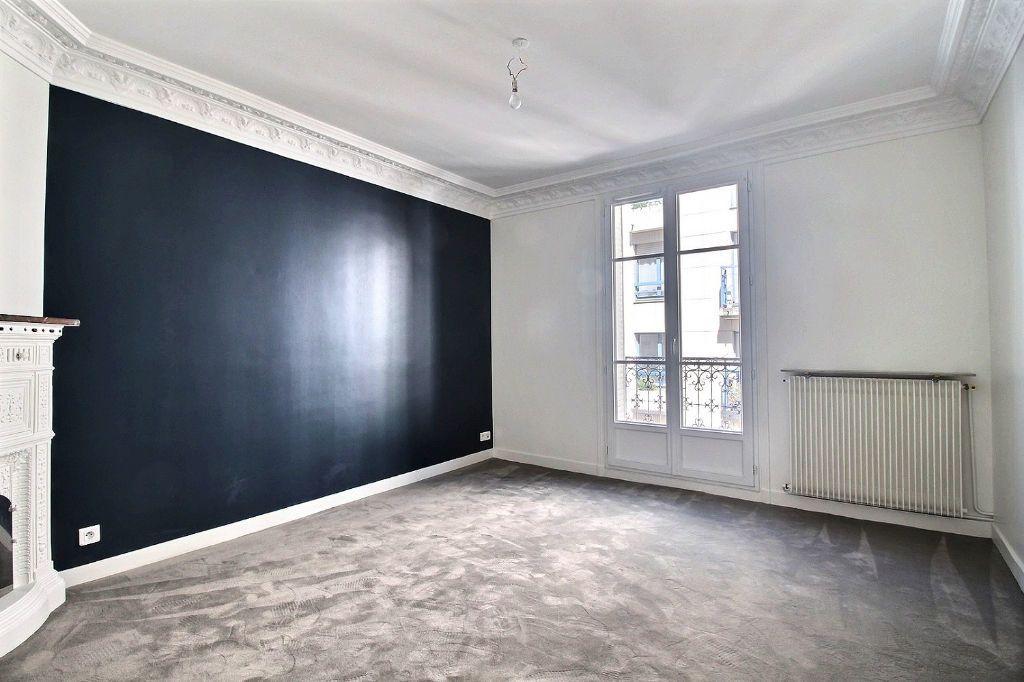 Appartement à louer 3 66m2 à Paris 14 vignette-3
