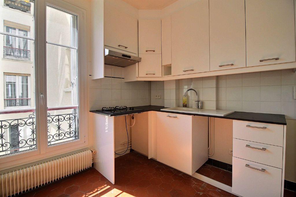 Appartement à louer 3 66m2 à Paris 14 vignette-8